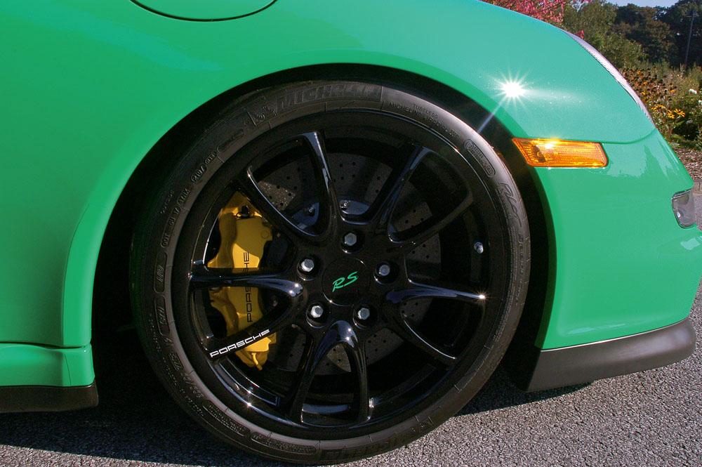 porsche scene features racing green der 911 gt3 rs. Black Bedroom Furniture Sets. Home Design Ideas